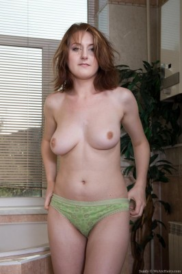 Sandy_BlueDressGreenPanty_033